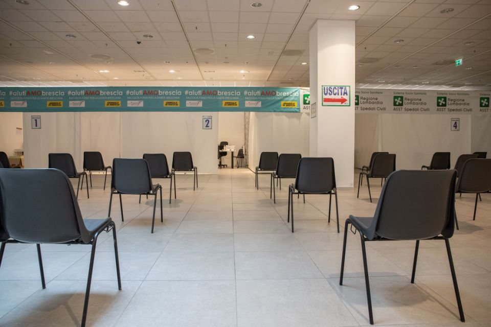 A view of the empty vaccination hub in the Frecciarossa shopping mall,in Brescia, Italy, on March 16, 2021. Italy halted the use of the AstraZeneca's coronavirus vaccine. (Photo by Stefano Nicoli/NurPhoto via Getty Images)
