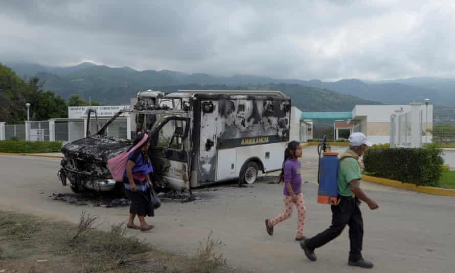 Burnt-out ambulance near hospital destroyed in Villa de las Rosas, Mexico, on 11 June 2020